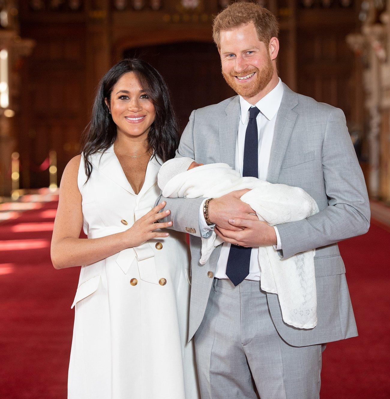 Herzogin Meghan und Prinz Harry stellen der Welt ihr Baby vor.