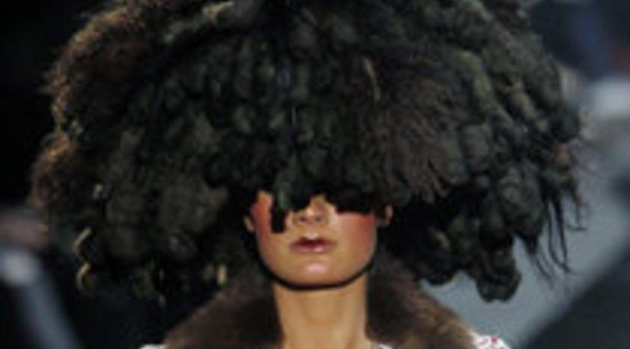 Fashion Week Paris: John Galliano liebt orientalische Elemente