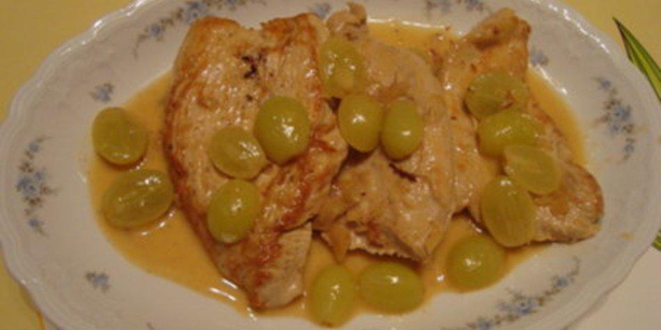 Putenschnitzel in Weingeleesose