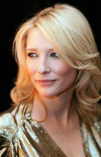 Cate Blanchett mit schulterlangen, durchgestuften Haaren