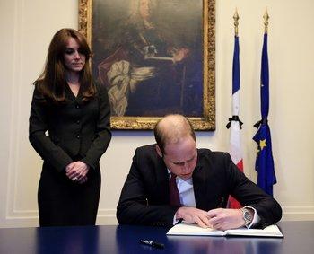 Prinz William und Kate Middleton in der französischen Botschaft