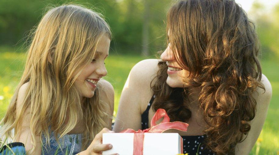 Der Muttertag – Schöner Feiertag oder nur Geldmacherei?
