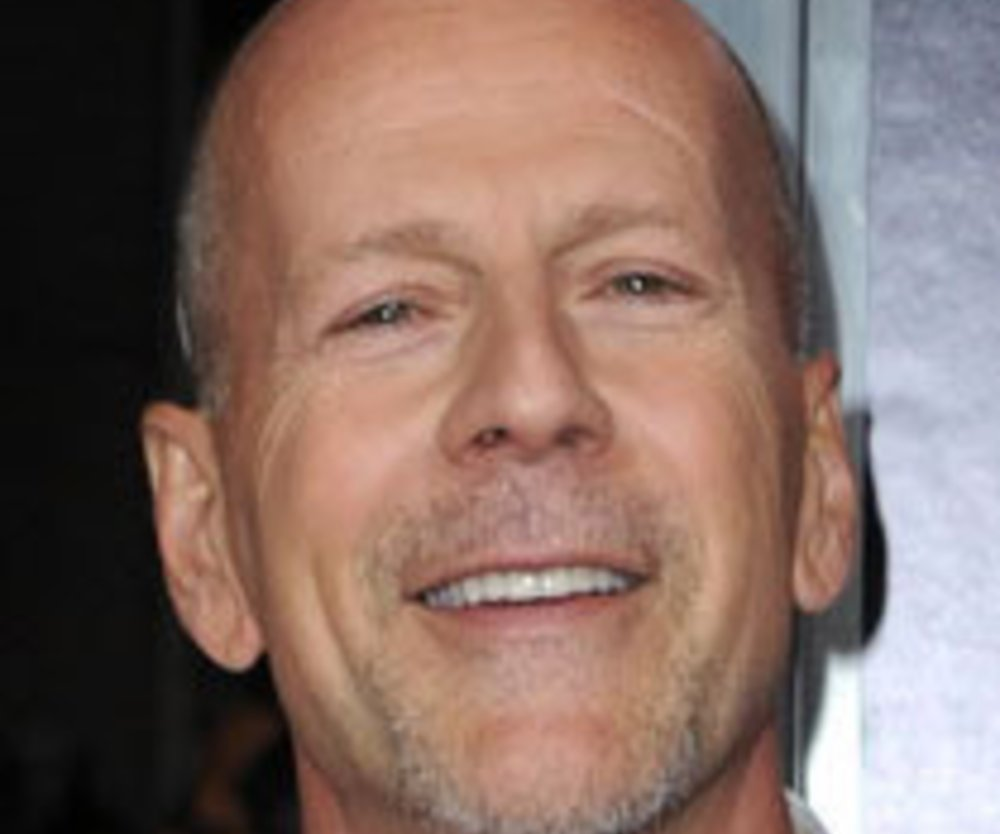 Bruce Willis zwischen zwei Frauen!