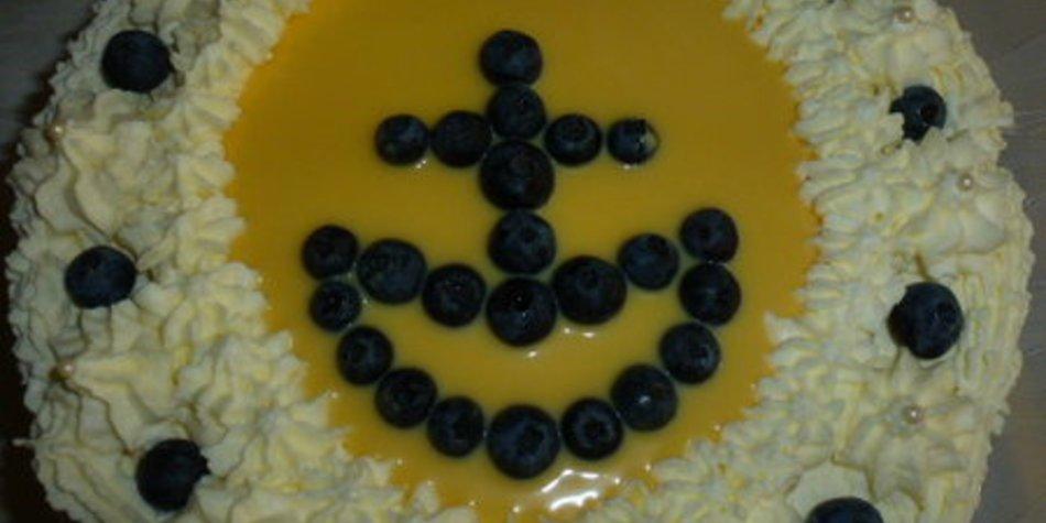Heidelbeer-Eierlikörtorte mit Schokoladenbuttercreme