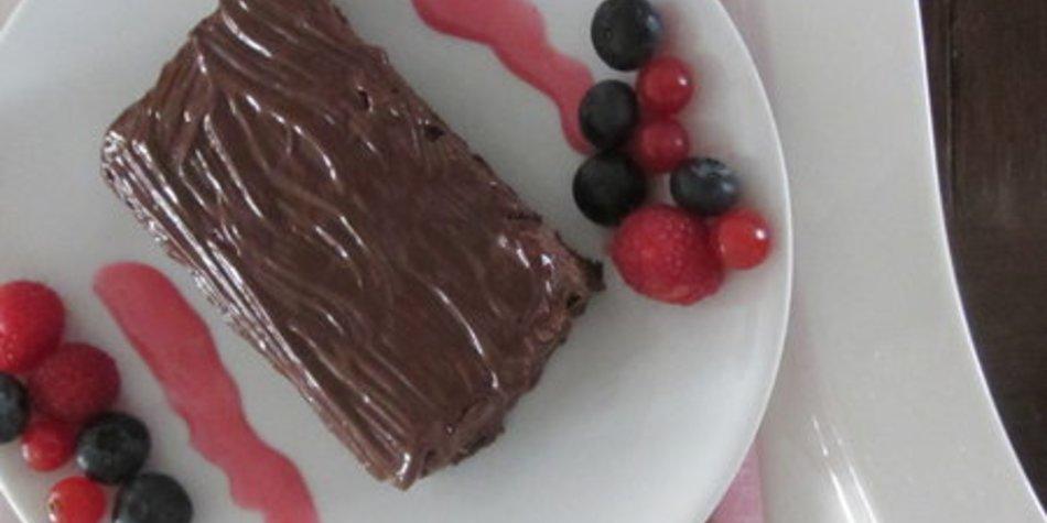 Schokoladenkuchen mit Schokostückchen