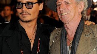 Johnny Depp: Umgeben von Altrockern!