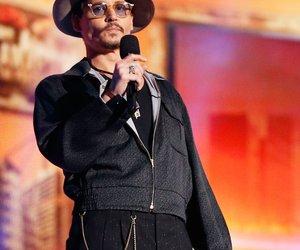 Johnny Depp rockt die Bühne