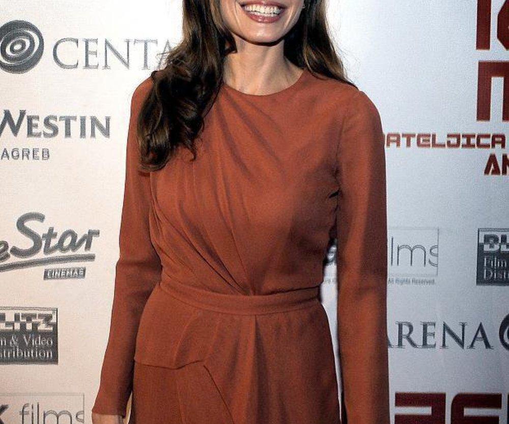 Angelina Jolie: Süchtig nach Sonnenbank?