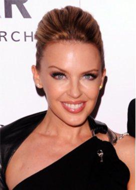Kylie Minogue hat ihre Mutter entlassen