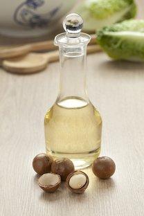 Olej z makadamových orechov