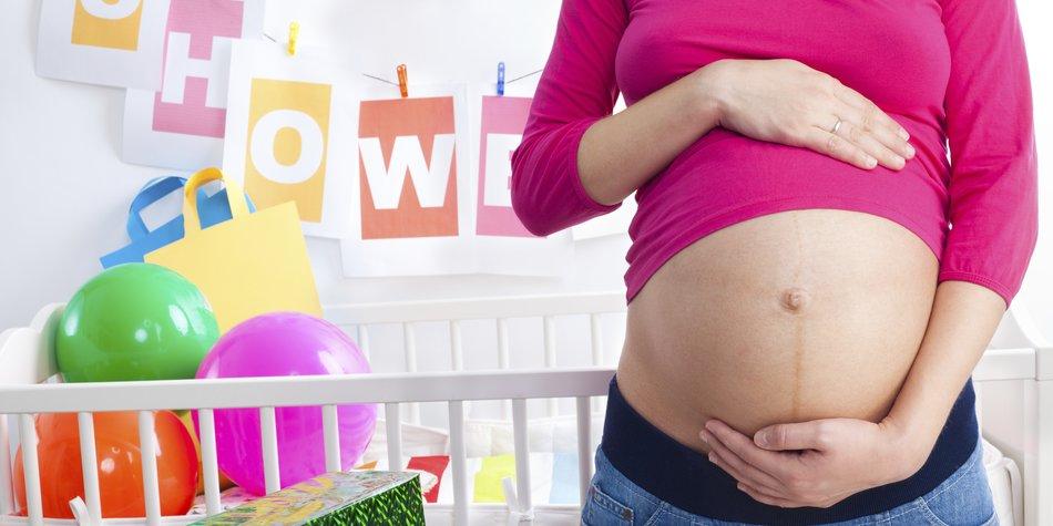 Schwangere auf ihrer Babyparty