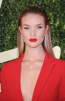 Rosie Huntington-Whiteley: Eleganter Sleek Look