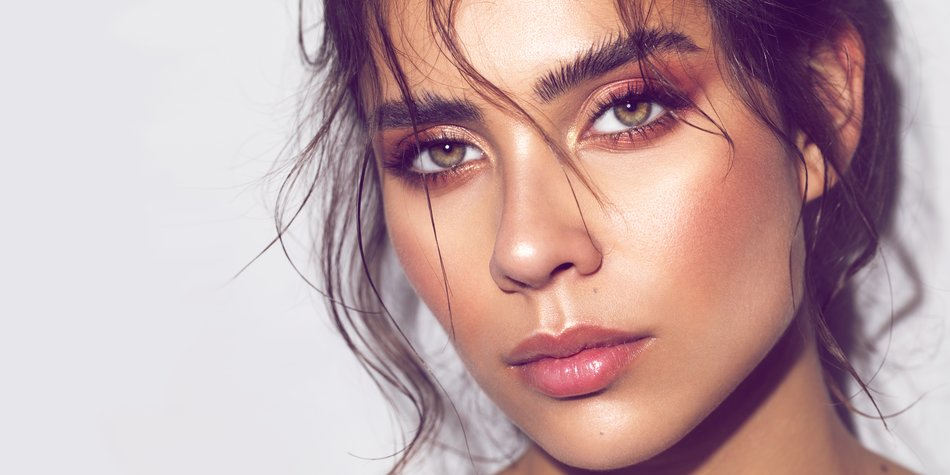 Vergiss Instagram-Brauen: Messy Brows sind der Trend 2020