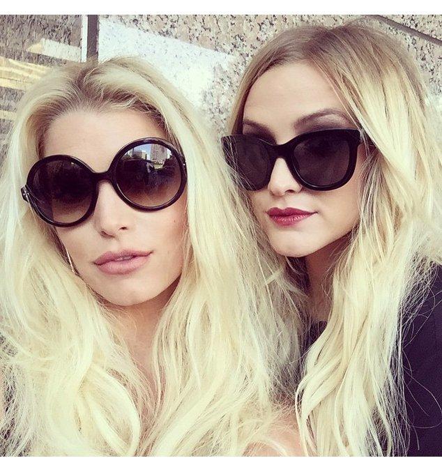 Jessica Simpson mit ihrer Schwester