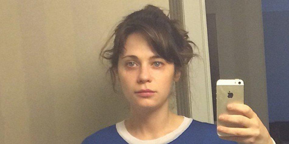 Zooey Deschanel: So sieht sie ungeschminkt aus