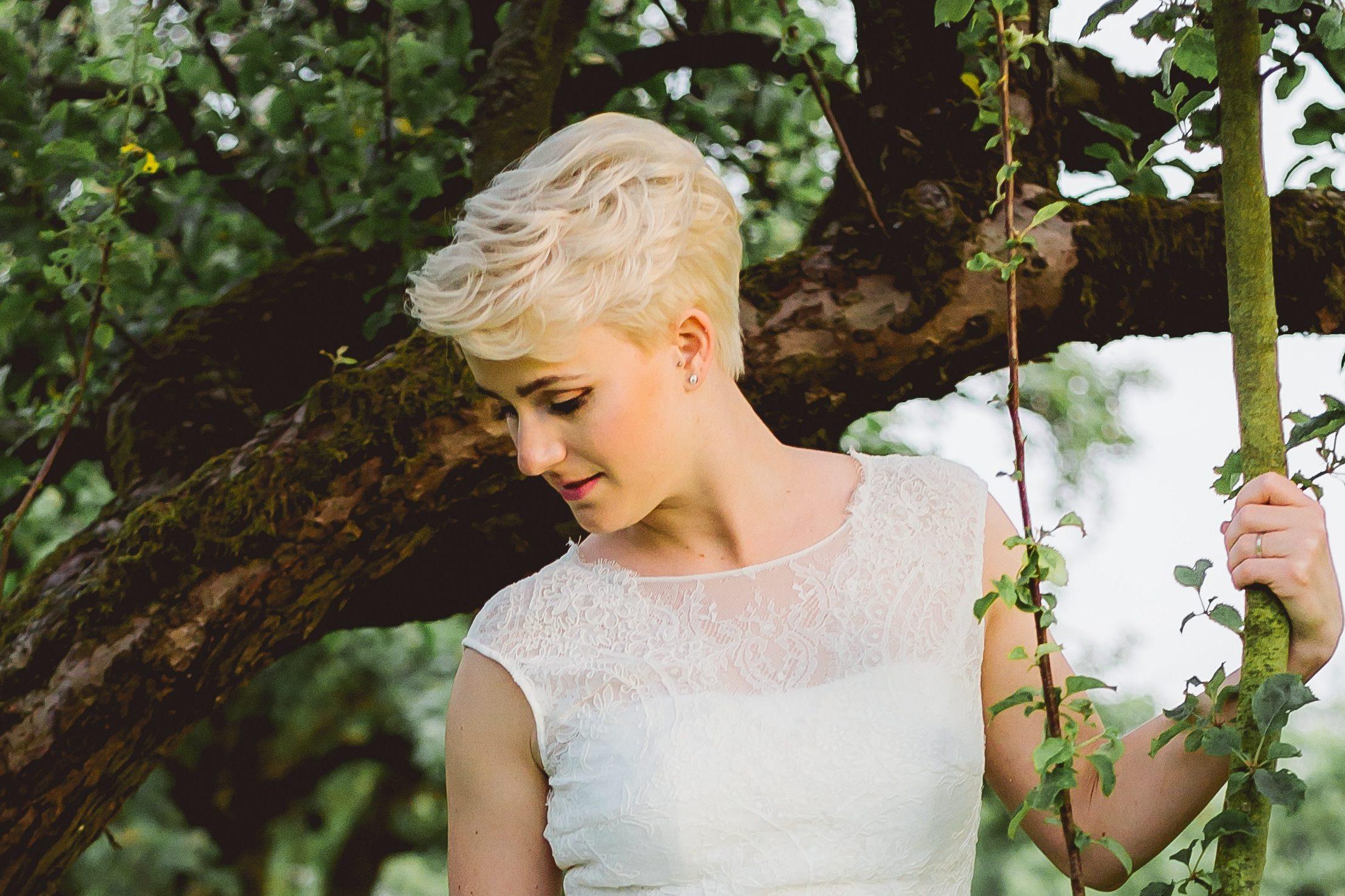 11 wunderschöne Brautfrisuren für kurze Haare  desired.de