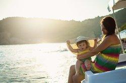 Sonnenallergie bei Kindern vorbeugen