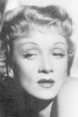 Marlene Dietrich: Sie prägte das Make-up der 30er Jahre mit ihren schmalen Augenbrauen