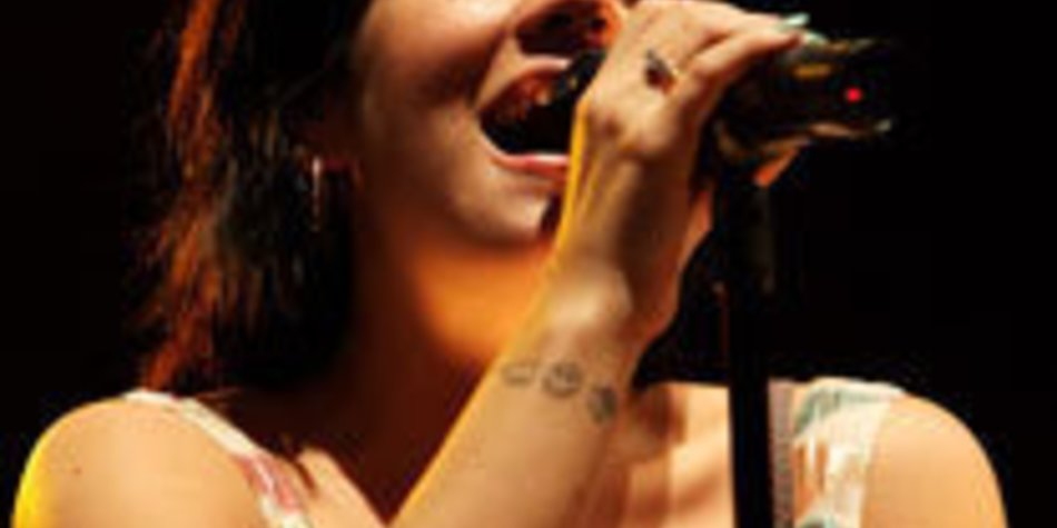 Lily Allen live in concert