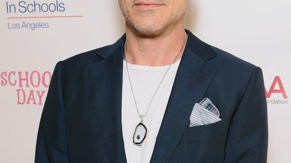 Robert Downey Jr. räumt einen Preis ab