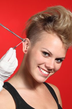 Helix Piercing stechen