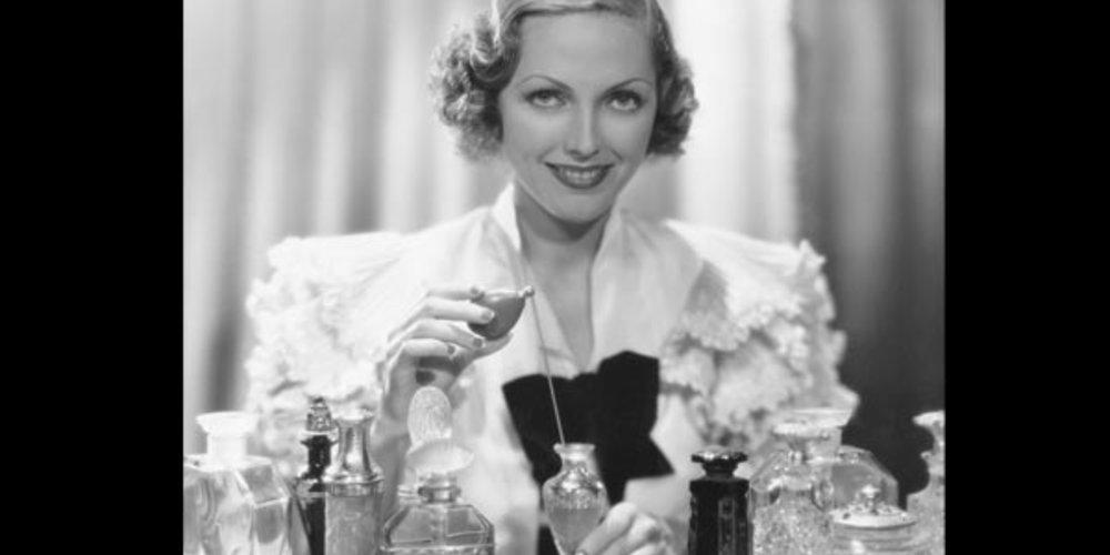 Frauen und Parfum