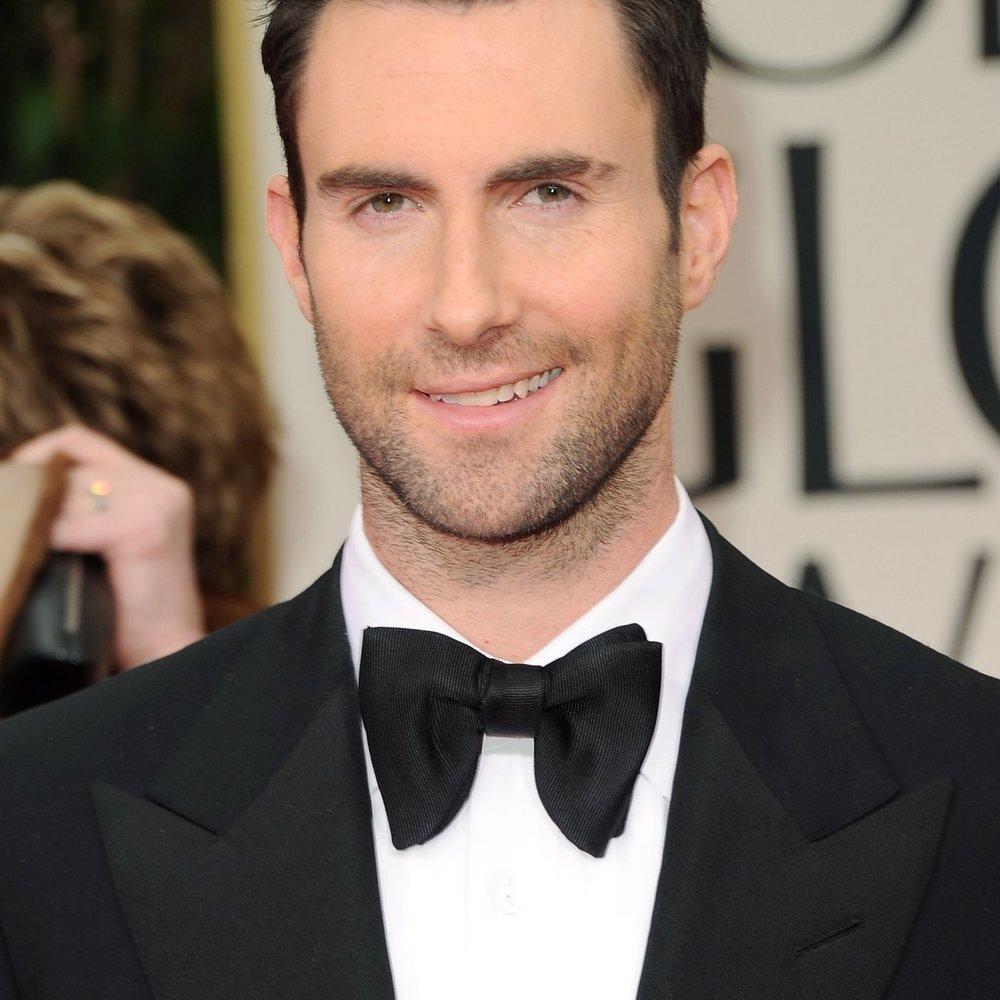 Adam Levine nimmt Glee-Star unter Vertrag