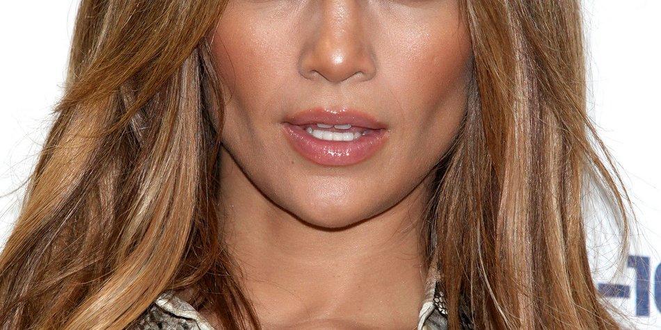 Jennifer Lopez vertraut Scientology?