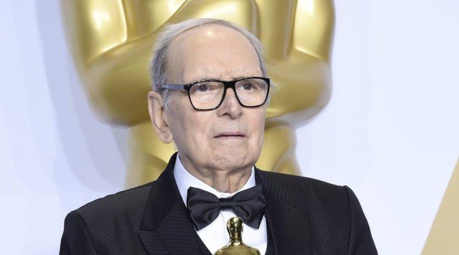 Ennio Morricone mit seinem Oscar.