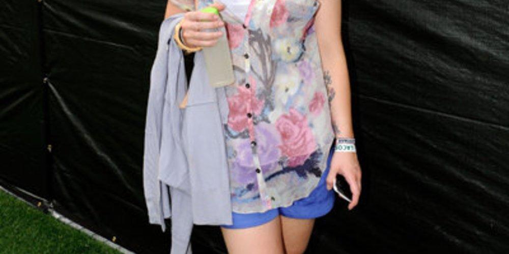 Kelly Osbourne: Mit diesem Outfit ist sie schnurstracks ins modische Fettnäpfchen getreten.