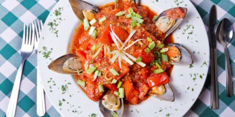 Miesmuscheln in Tomatensoße