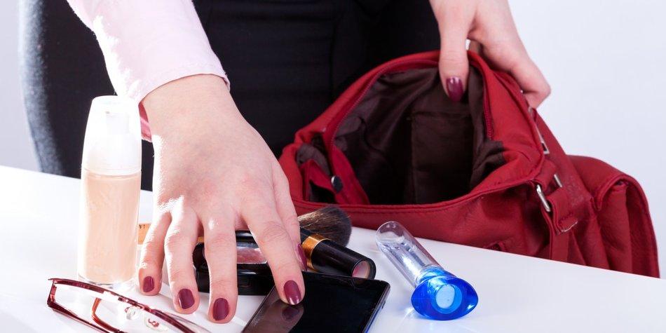 Das verrät der Inhalt Deiner Handtasche über Dich!