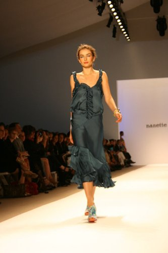 Nanette Lepore präsentiert ihre Mode auf der Fashion Week