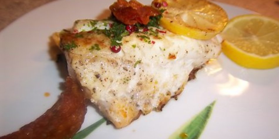 Skrei ( Winterkabeljau) mit Chorizo gebraten