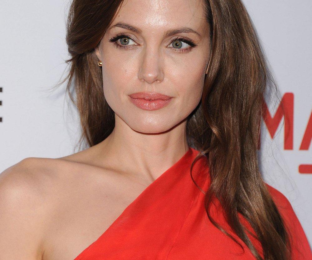 Angelina Jolie shoppt bescheiden