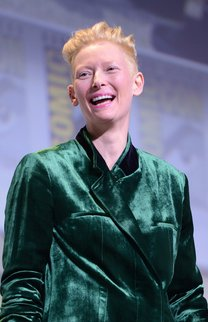 Tilda Swinton: Blonder Undercut