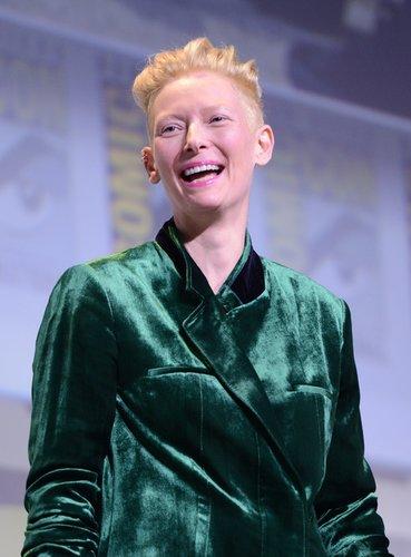 Tilda Swinton: Blonder Undercut