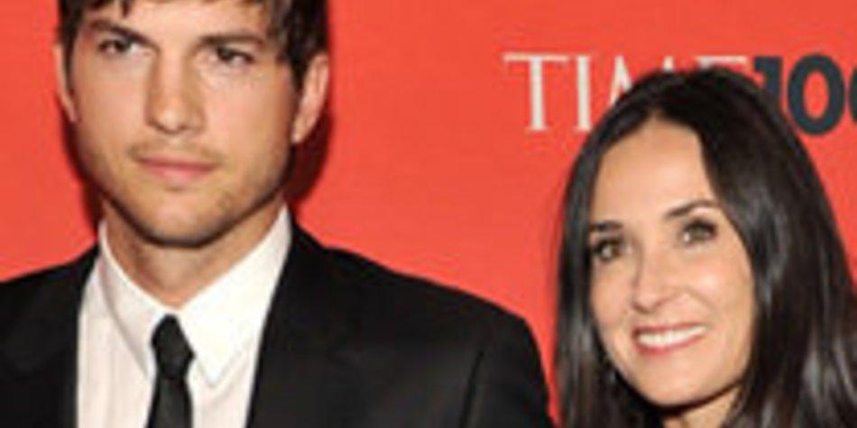 Ashton Kutcher und Demi Moore feiern mit James Van Der Beek