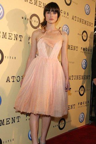 Keira Knightly ist bekannt aus Film und Fernsehen.