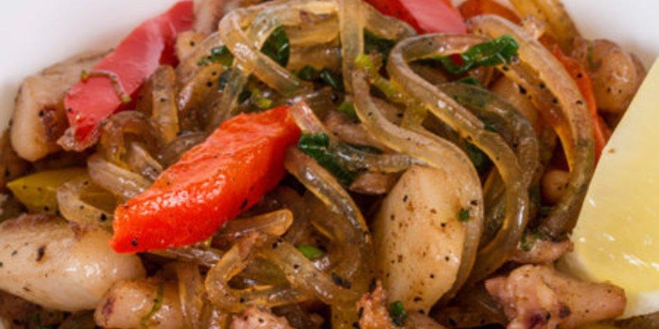 Gebratene Nudeln mit Gemüse