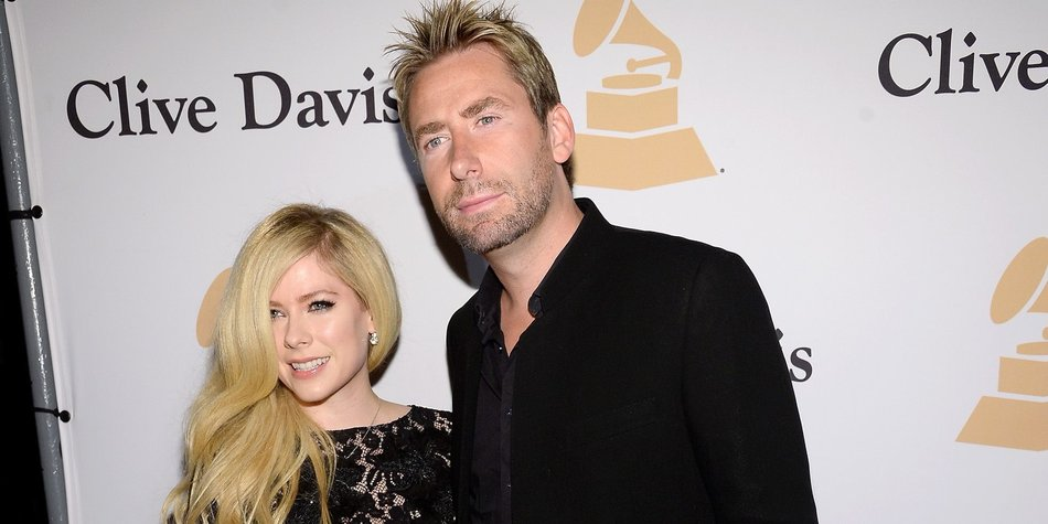 BEVERLY HILLS, CA - FEBRUARY 14: Recording artists Avril Lavigne (L) and Chad Kroeger attend the 2016 Pre-GRAMMY Gala and Salute to Industry Icons honoring Irving Azoff at The Beverly Hilton Hotel on February 14, 2016 in Beverly Hills, California. (Photo by Kevork Djansezian/Getty Images for NARAS)