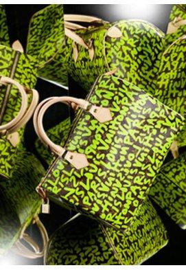 Marc Jacobs designte f����¯�¿�½���¯���¿���½������¯������¿������½����¯�¿�½���¯���¿���½����¯�¿�½������¼r Louis Vuitton diese sch������¶ne neue StephenSprouse Kolltion in neonfarbenem Graffitistyle.