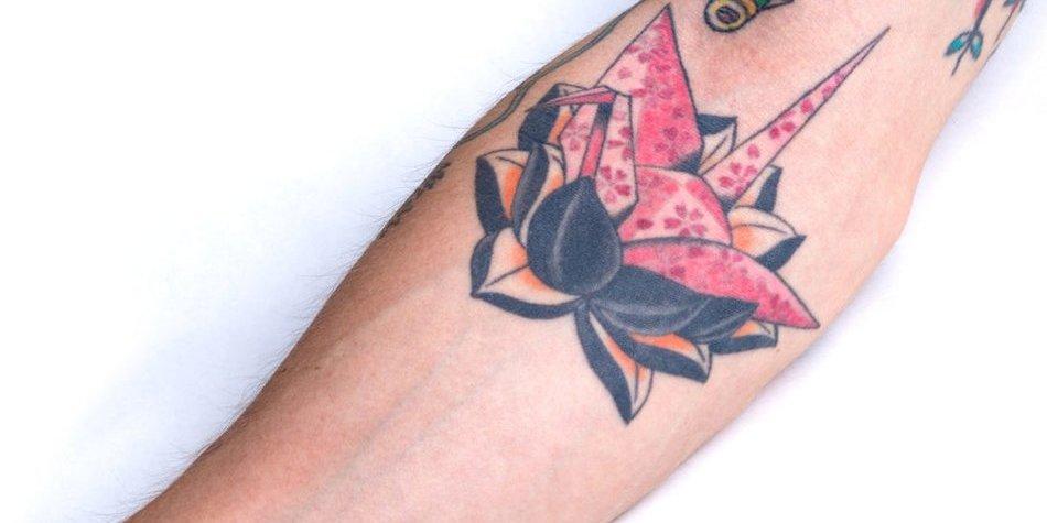 Lotusblumen-Tattoo
