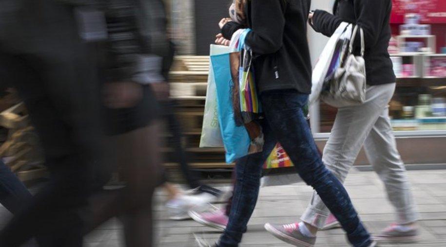 Beim Klamotten-Kauf haben Jugendliche meist ihren eigenen Kopf.