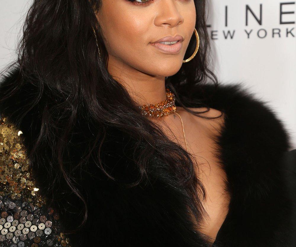 Rihanna verklagt Modekette