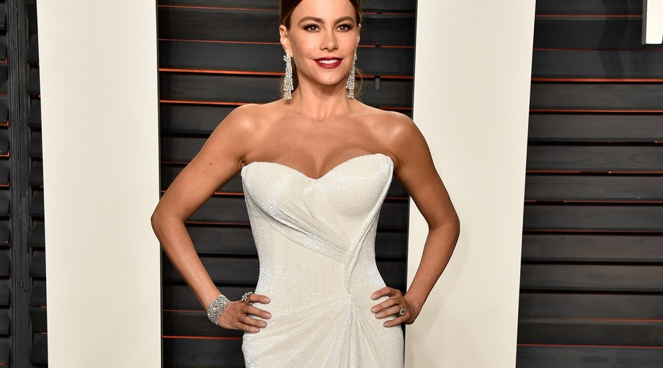 BEVERLY HILLS, CA - FEBRUARY 28: Actress Sofia Vergara attends the 2016 Vanity Fair Oscar Party Hosted By Graydon Carter at the Wallis Annenberg Center for the Performing Arts on February 28, 2016 in Beverly Hills, California. (Photo by Pascal Le Segretain/Getty Images)