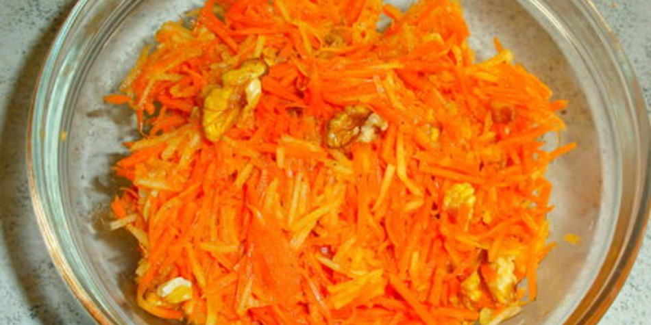 Karotten-Apfelsalat