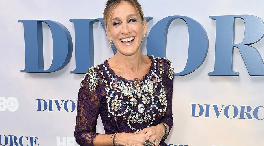 """NEW YORK, NY - OCTOBER 04: Sarah Jessica Parker attends the """"Divorce"""" New York Premiere at SVA Theater on October 4, 2016 in New York City. (Photo by Jamie McCarthy/Getty Images)"""