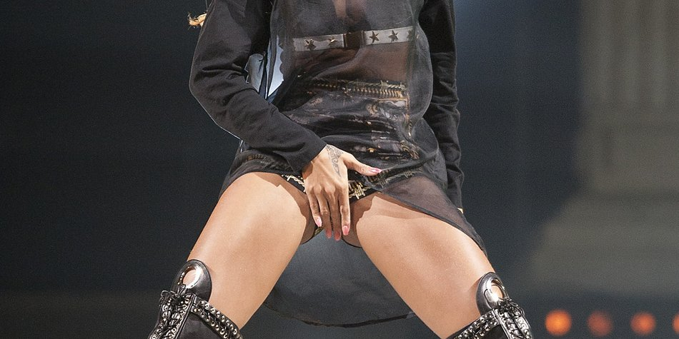 Rihanna gibt Sean Kingston einen Lapdance