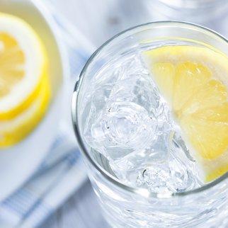 Zitronenwasser Diät